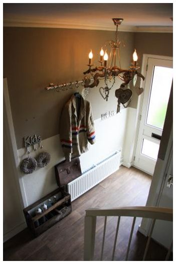 Hal idee kapstok hal en gang idee n pinterest hallways and chandeliers for Schilderen voor gang d