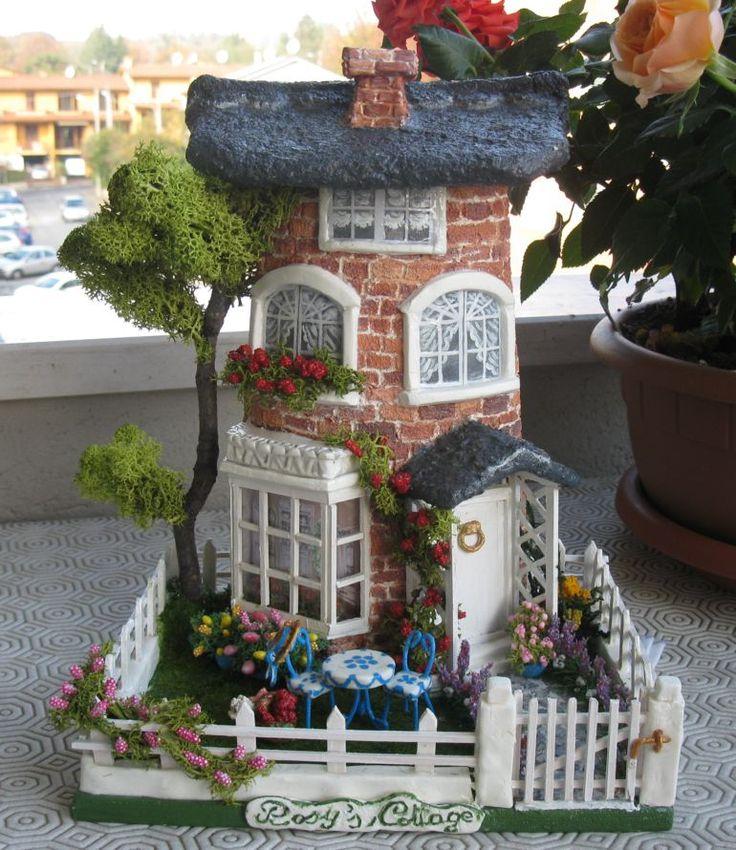 Il cottage di Rosy, dedicato ad una cara amica, Tegola decorata nel novembre 2011,