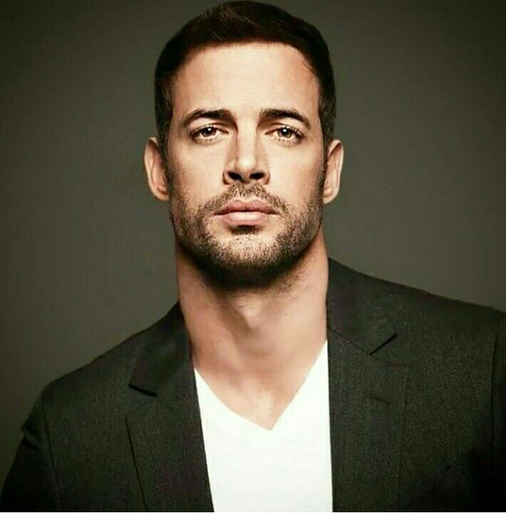 The gorgeous William Levy.