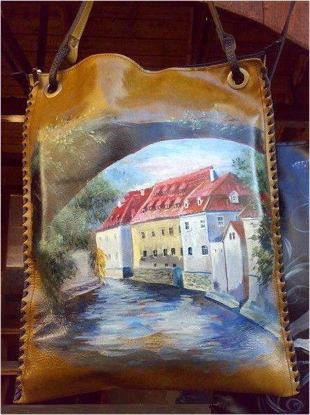 Авторская женская сумка №22 из мягкой натуральной кожи. Ручная работа, с ремешком через плечо, оплётка боковых граней, роспись (рисунок) по коже.