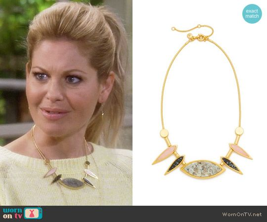DJ's yellow sweater and spiked necklace on Fuller House. Outfit Details: https://wornontv.net/64180/ #FullerHouse