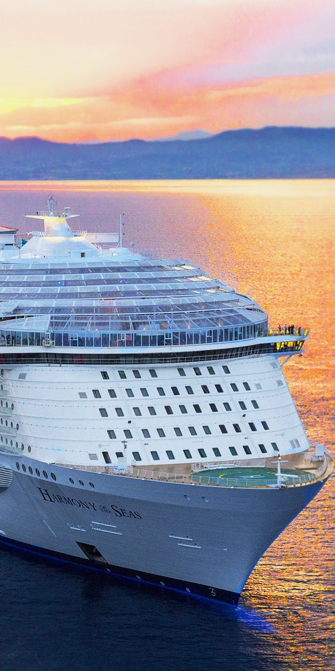 Harmony of the Seas | With her majestic, state of the art design and unparalleled entertainment and dining options, the Harmony of the Seas can even make the world blush.