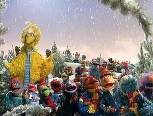 A Muppet Family Christmas - The Sesame Street Gang arrives!