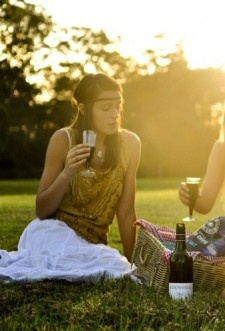 Picnic Neo Hippie    Link al post:  http://blog.easywish.com/fashion/woman/neohippie/picnic-neo-hippie/9717/#