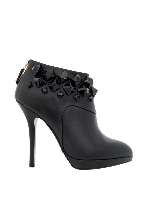 -40% #sales Napa calfskin ankle #boot with tone on tone #studs. So chic!  Materials: calfskin Colors: black