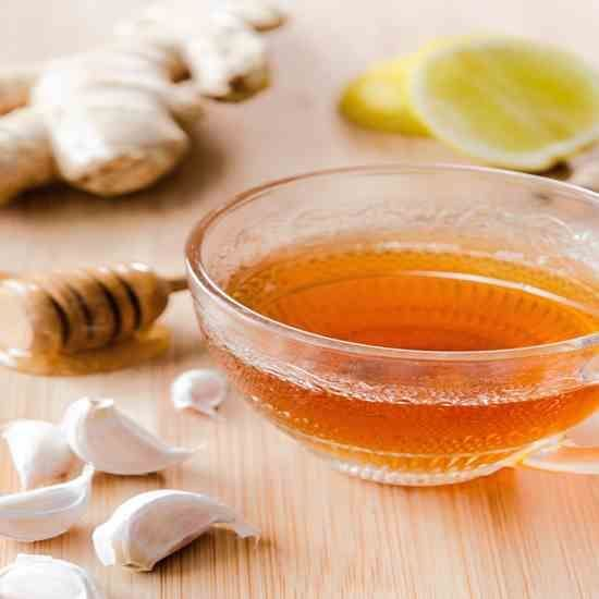 Drink garlic tea for colds. When you feel the symptoms of a cold coming on, drink this garlic tea to chase the cold away. #Tonsils