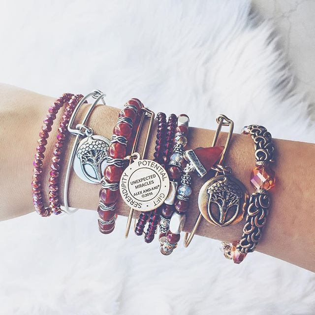 November is a time to be thankful. Today I am thankful for the unexpected miracles that happen from day to day that make my day a little brighter! You never know the small blessings that may come your way, but be there to welcome them with open arms ✨ #thankfulthursday  | ALEX AND ANI | charmed arms | wrist game | silver | arm candy | bangles