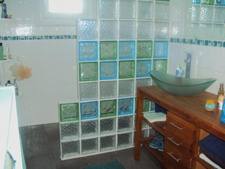 Aptasol, douche italienne et briques de verre