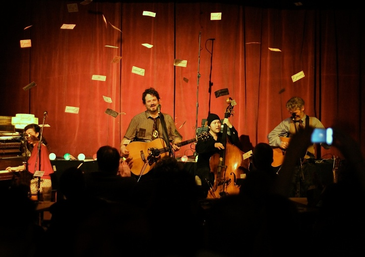 Canadian Tire Money rains down upon the Sundowners and audience members in an epic finale!