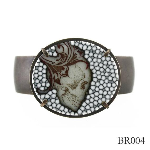 Glass skull bracelet | Melanie UngvarskySkull Bracelet