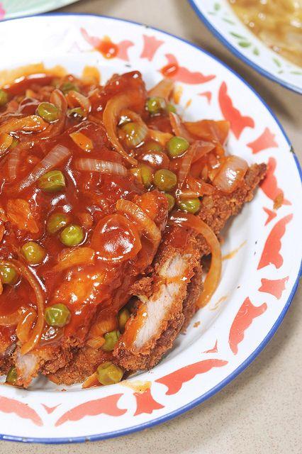 海南炸猪排 Hainanese Deep Fried Pork Chops is another dish that sends me right back to my childhood. My mum prepared a version of this fairly frequently when I was young, because my sister and I, as chi…