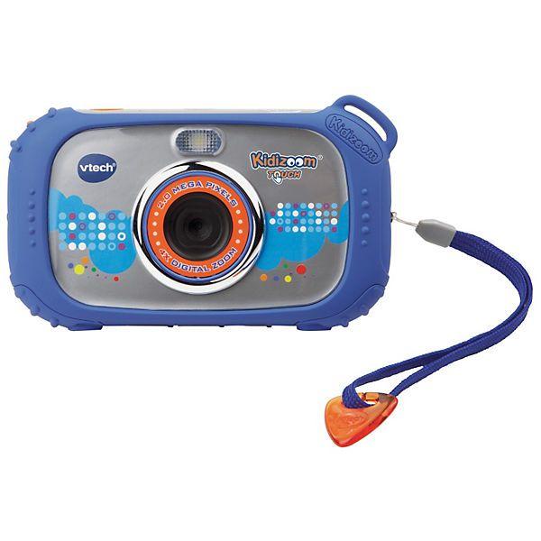 """Moderner Spaß für kreative Kids: Die Kidizoom Touch ist eine stylische Digitalkamera für Kinder mit einem 3.0"""" LCD-Farb-Touchdisplay, integriertem Musik-Player, Film-Funktion, Bildbearbeitung und vielen lustigen Spielen. Dank des robusten Gehäuses ist die Kamera gut geschützt und passt perfekt in kleine Kinderhände. Mit der zusätzlichen Kameralinse auf der Rückseite können tolle Selbstporträts aufgenommen werden. Über das Touchdisplay können kleine Künstler ihre Bilder gleich mit dem Fin..."""