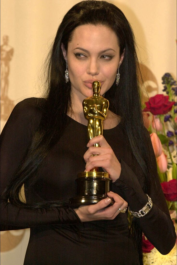 17 best ideas about angelina jolie girl interrupted angelina jolie girl interrupted 1999 oscar