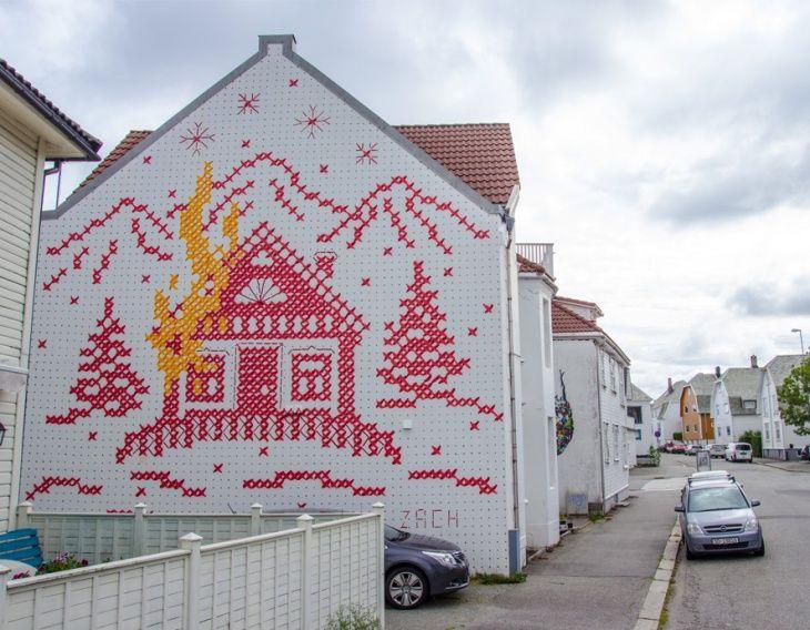 Вышитый дом / Городская среда (граффити, снеговики, ets) / ВТОРАЯ УЛИЦА