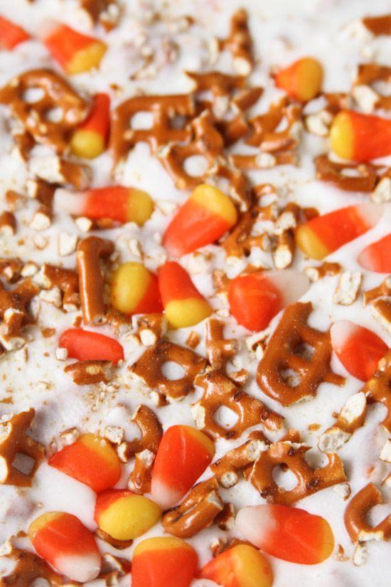 Halloween Candy Bark Recipe (Two Ways)