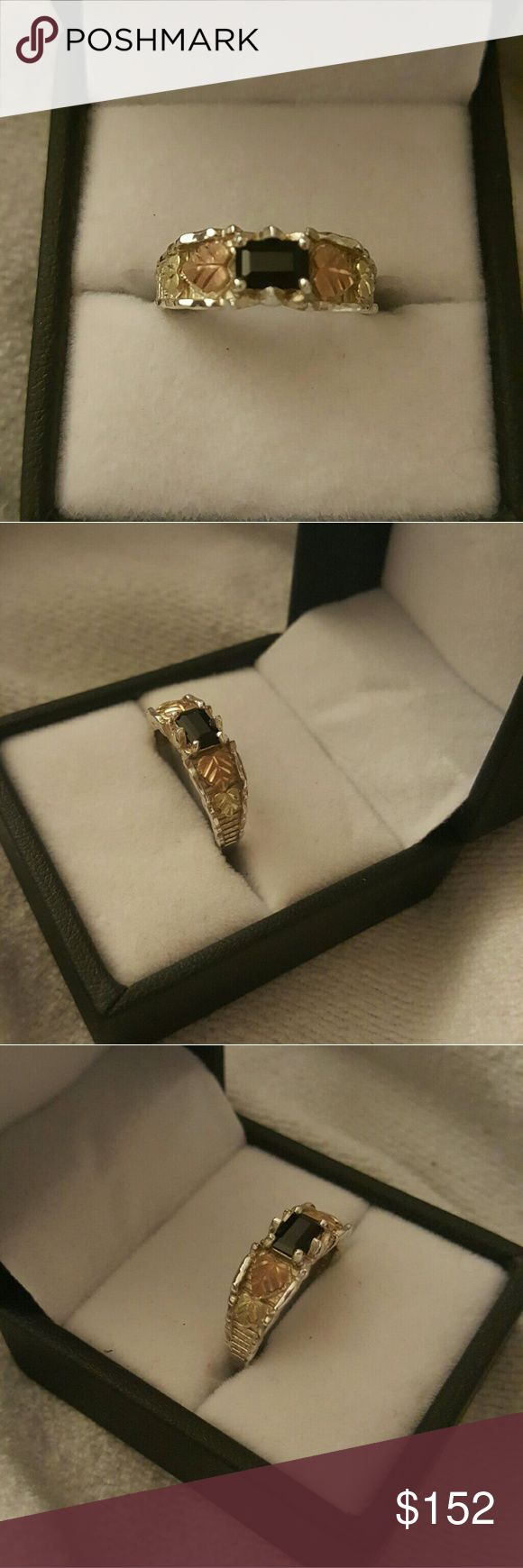 WOMENS BLACK ONIX BLACK HILLS GOLD RING BLACK HILLS GOLD 12K ONIX STERLING SILVER  WOMENS RING SZ 7.5 VERY BEAUTIFUL  HAVE A GIFT BOX GREAT GIFT FOR YOUR SELF OR SOME ONE SPECIAL Black hills gold  by coleman Jewelry Rings