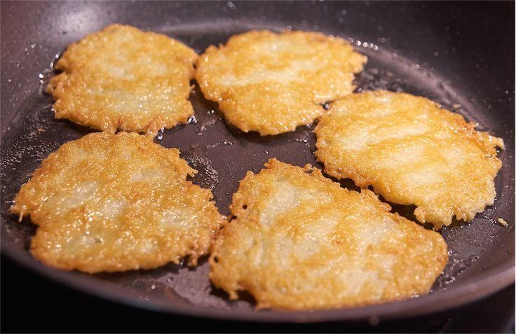 Jak usmażyć chrupiące i złociste placki ziemniaczane?