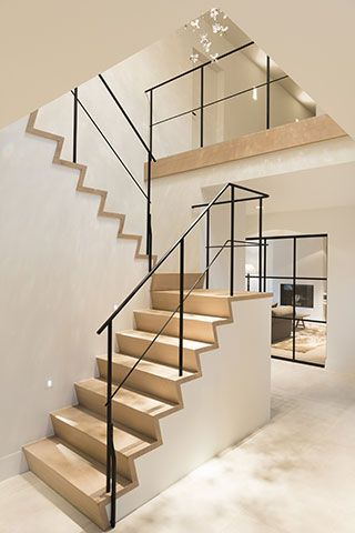 25 beste idee n over moderne trap alleen op pinterest drijvende trap trappen en leuningen - Model interieur trap ...