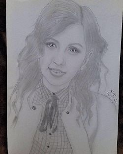 #instaart #instadrawings #pencilart #art #pencildrawing #girl #smile #pencil #drawing #hair #curls #eyes #lips #instapic #instapicture #pic #picture