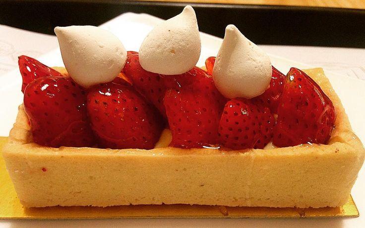 Tortelete de Morango  #PartiuBistrozinho   #pie #strawberry #sp #011 #morango #sobremesa #instagram #photobyiphone #iphone5c