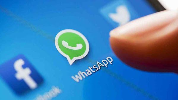 WhatsApp es una aplicación de dispositivos móviles que mantiene comunicados a más de 700 millones de persones en el mundo, y esta cifra va aumentando día a día, esto ha hecho que WhatsApp sea una herramienta de marketing para incrementar las ventas de las empresas. Por tanto, WhatsApp es una herramienta para llegar a muchas personas, pero a veces no sabemos muy bien que acciones o estrategias debemos utilizar para potenciar nuestro mensaje. ¿Cómo funciona WhatsApp? WhatsApp de forma nativa…