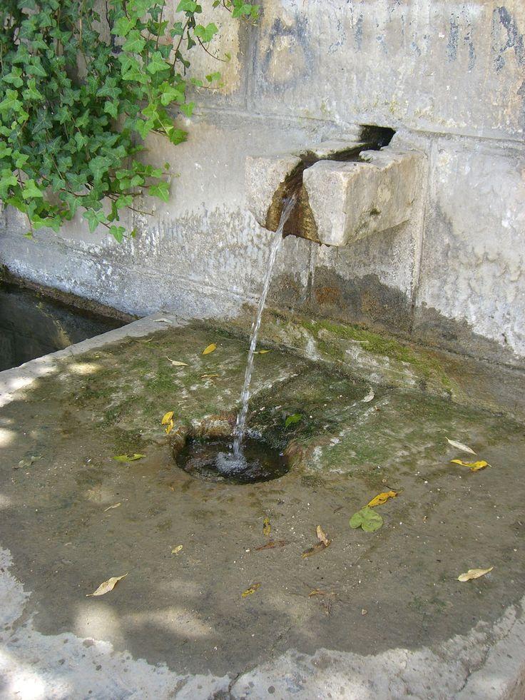Colletorto - Fontana Pozzo Berardinelli. By Stefania Antonelli