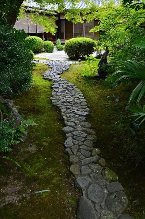 801 best stone path ideas images on pinterest garden for Japanese garden path