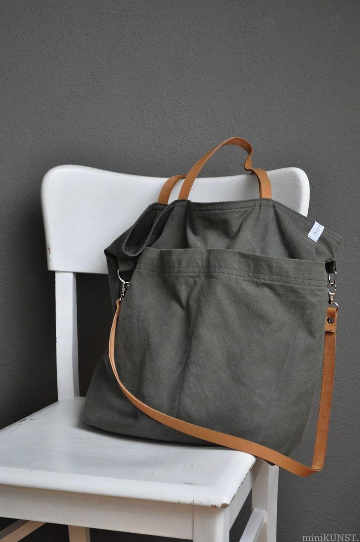 ...diese alten BW-Wäschesäcke!   Die Tasche, die ich schon mal aus einem BW-Seesack genäht habe, ist zwar sehr schön geworden, allerdings ...