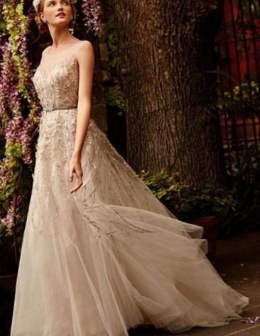 Свадебное платье из цветов - http://1svadebnoeplate.ru/svadebnoe-plate-iz-cvetov-3840/ #свадьба #платье #свадебноеплатье #торжество #невеста