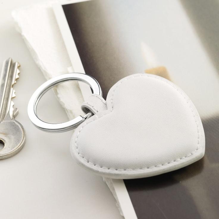 <3 white heart keyring
