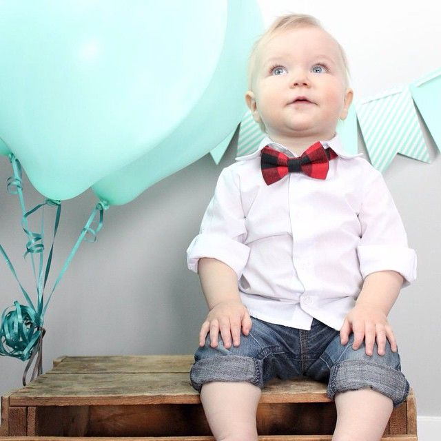 All grown up! Leo rocked his 1st birthday photo shoot yesterday✨ we're loving this simple outfit paired with our plaid bowtie defiantly an eye  catcher! #1stbirthday#bowtie#brookz Available at www.brookz.co Cheers to @tanessalenay for this gem of a photo!