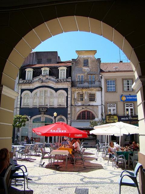 A lunch-break in Aveiro Portugal. #VelvetCompassTravels #TeresaTravels #Aveiro #Portugal