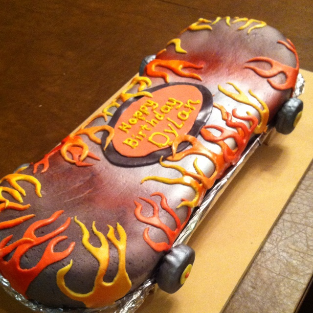 Dylan's skateboard cake I made for his 8th birthday;)