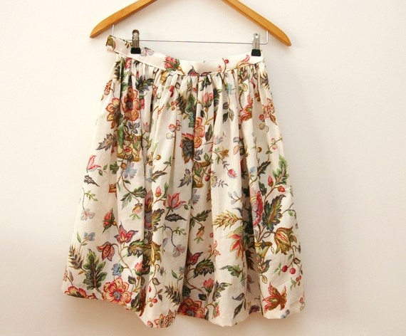 Vintage inspired floral skirt.....Joy I am going to learn how to make this type of skirt