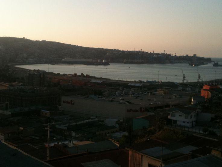 Valparaiso, Chile. Unico tour temático de Chile - City tour and untypical trips Contactanos / contact us: info@minitrole.cl - +56 9 61531044 / +56 9 66293672 fanpage: www.facebook.com/... twitter:@MiniTrole_tours