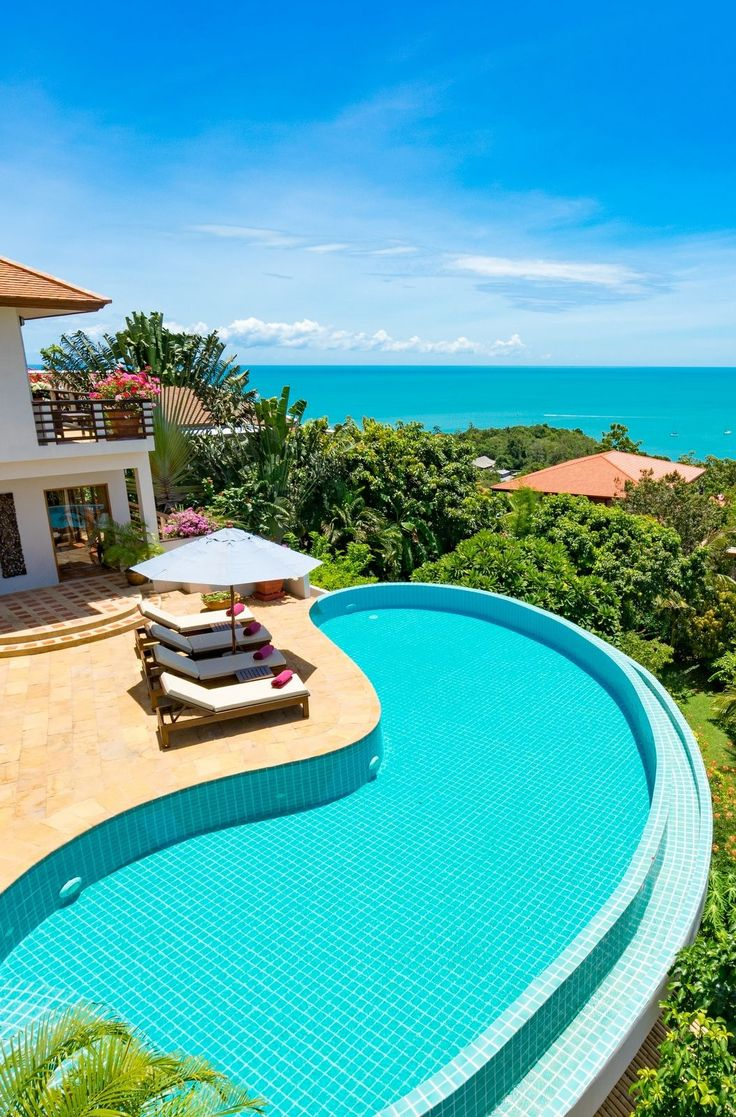 Reasons to stay in a #luxury #villa over a hotel when you #travel!