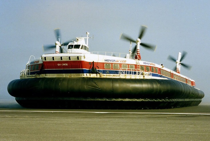 The fantastic #Hovercraft that ran from Dover to Calais was an engineering masterpiece that reduced travel time across the channel dramatically compared to the car ferries. #British #Engineering