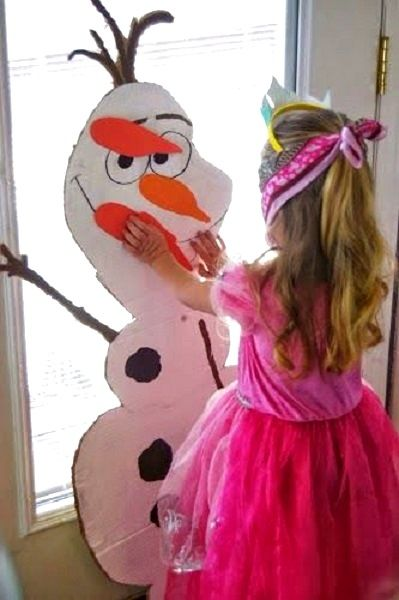 Pin the nose on the snowman! Photo from Kristin Holly #BirthdayExpress #Frozen
