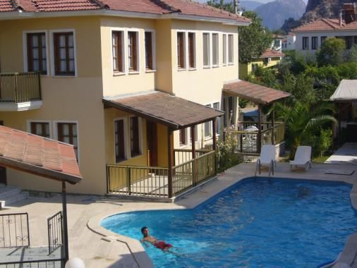 Villa Wagtail - 3 bedroom villa with shared pool. Available for holiday rental.