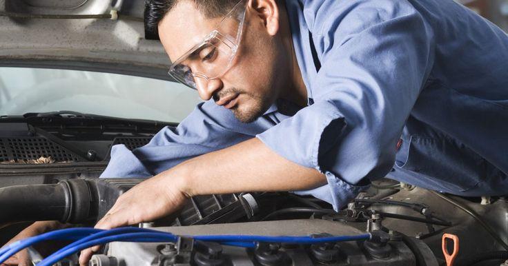 Problemas de transmisión con un Mazda 626. La transmisión en tu Mazda 626 transfiere el torque producido por el motor a las ruedas delanteras del auto. La transmisión del Mazda 626 es propensa a unos pocos problemas que son causados por los componentes mecánicos y eléctricos del sistema.