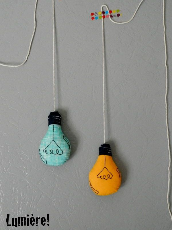 une idée lumineuse...: Diy Gift, Sewing Lightbulbs, An Idea, Bulbs Diy, Diy Crafts Clay Mosaic222, Diy Light, Felt Bulbs