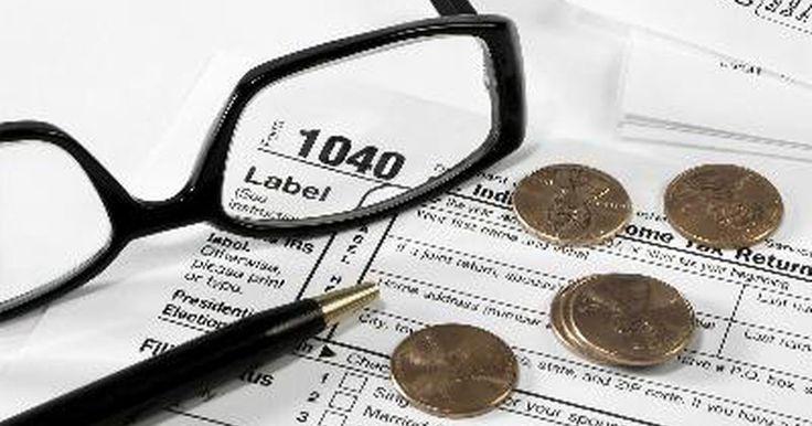 Motivos por los cuales se puede retrasar un reembolso de la IRS. Una vez que un contribuyente presenta su devolución impositiva al Servicio de Impuestos Internos (IRS, por sus siglas en inglés), su devoluciónn se recepciona y procesa. La devolución impositiva procesada se puede aceptar o rechazar por el IRS. Si es rechazada, se deberán hacer correcciones para que el contribuyente pueda recibir su reembolso. Si ...
