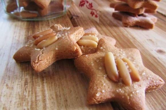 Biscotti con farina di castagne e pinoli
