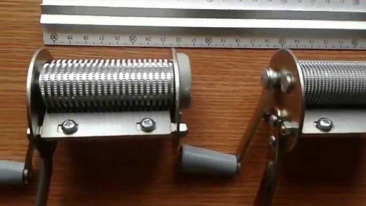 Masini pentru taiat tutun - mai multe detalii pe: www.tuburipentrutigari.ro