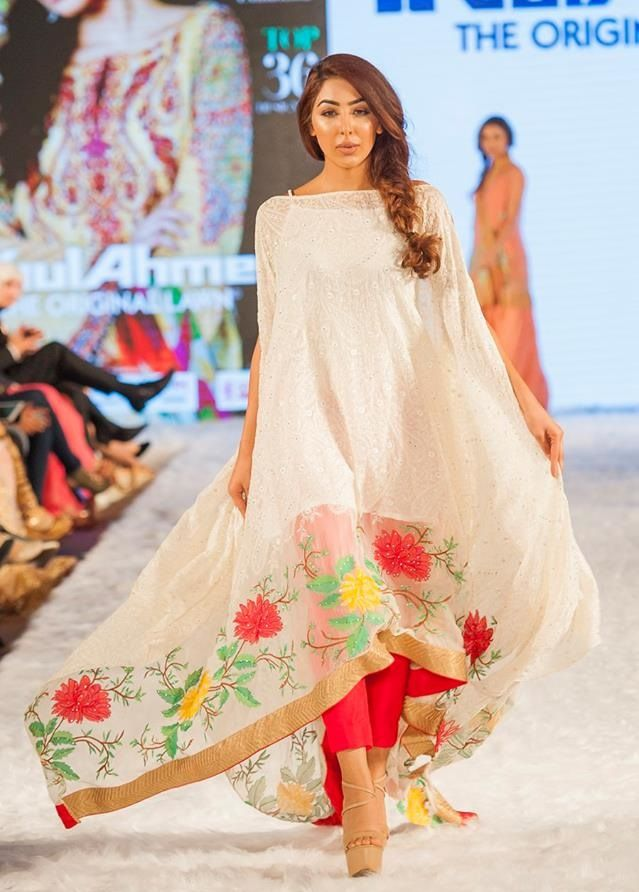 Gul-Ahmed-Eid-Collection-2016-2017-at-FPW-London (4)