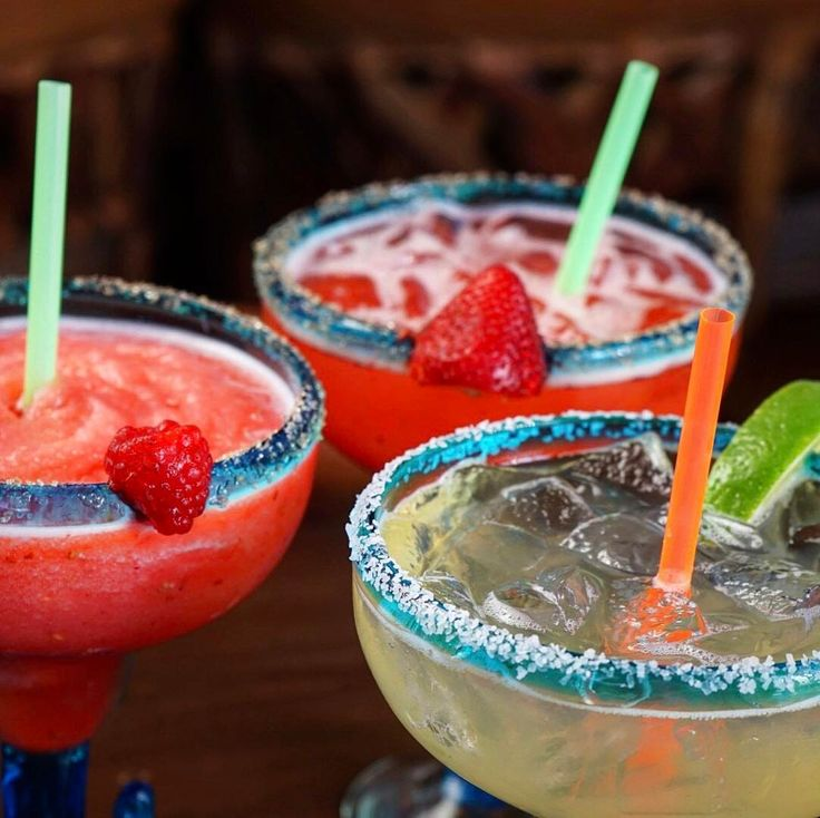Thursday Ladies Night! Come with your ladies to catch up while sipping a refreshing cocktail at La Corona! Margaritas are only $4.99!* *From 3:00 p.m. until we close. This promotion includes the raspberry, strawberry and house margarita, ONLY. 🍓🇲🇽