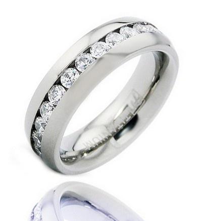 Titánium Karika Gyűrű Cirkónia Kövekkel 52