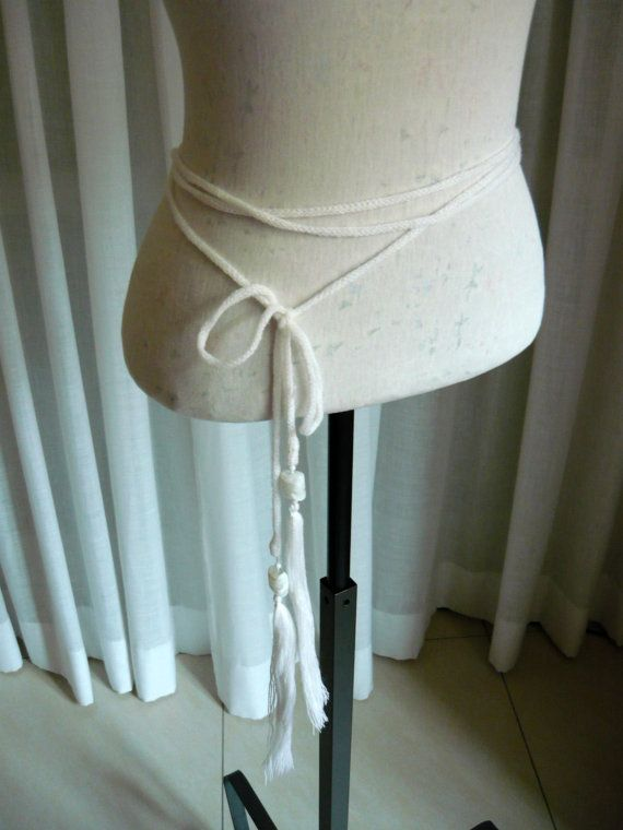Very long knit wool belt with extra long beaded di LTJstudio
