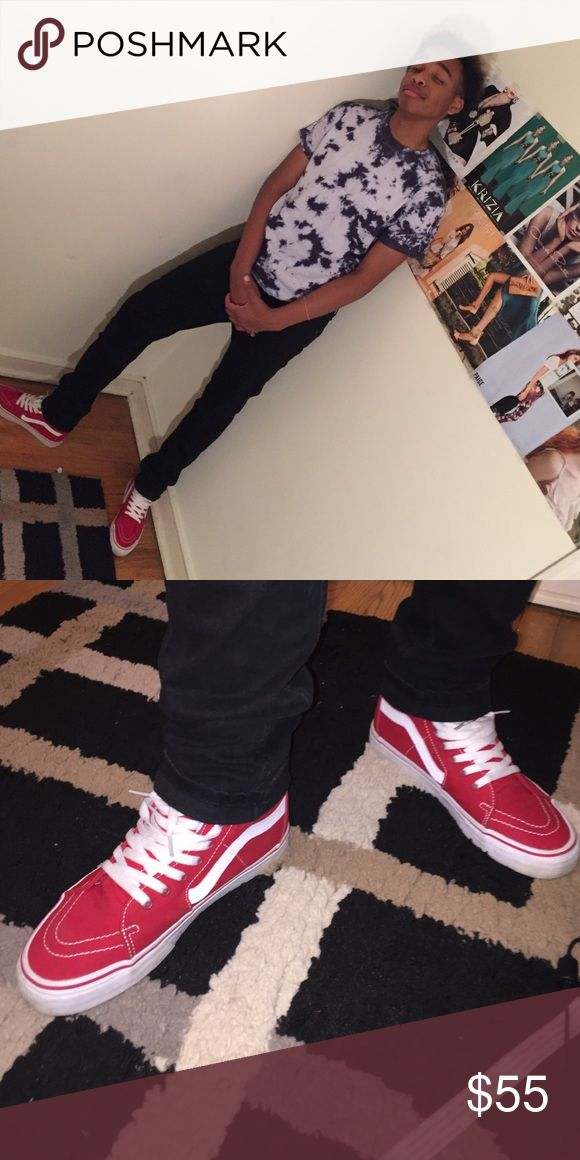 Red & white Sk8 hi VANS ‼️✨😍ON SALE NOW Vanz ( like brand new ) [ size 9 in MEN ] ( worn 1 time ) IF YOU ARE INTERESTED JUST LET ME KNOW❌NO TRADES❌ vanz Shoes