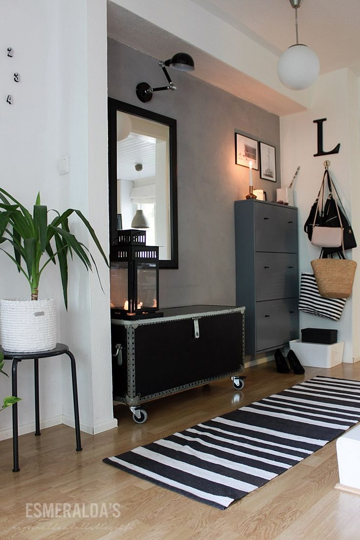 #Looking for some creative #hallway #renovation ideas - black and white rug/runner.. http://www.myrenovationstore.com
